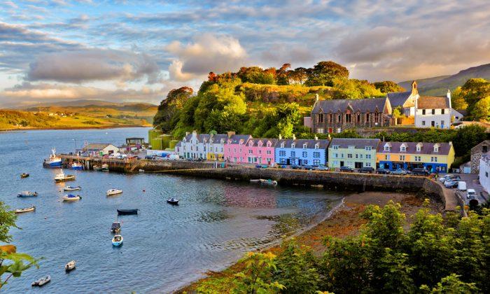 View on Portree before sunset, Isle of Skye, Scotland. (*Shuttertock)