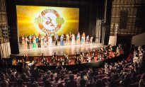 Chinese Tourists Visit Taipei Specifically For Shen Yun's Performances