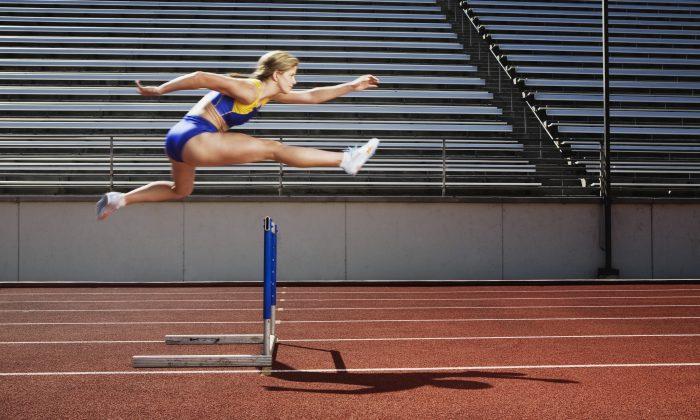 Orthopedic massage can help athletes recover from injury. (Jupiterimages/thinkstockphotos.com)