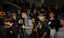 Taiwan Students Exit Parliament, Vowing Battle Not Over