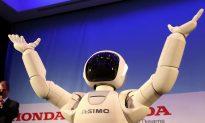 The Evolution of ASIMO the Robot (Video)