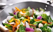 6 Foods That Increase or Decrease Your Risk of Cancer
