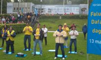 Falun Gong Practitioners Celebrate in Gothenburg, Sweden