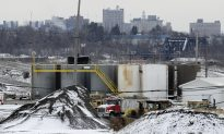 In Fracking Hotbed, a Muted Approach to Regulation