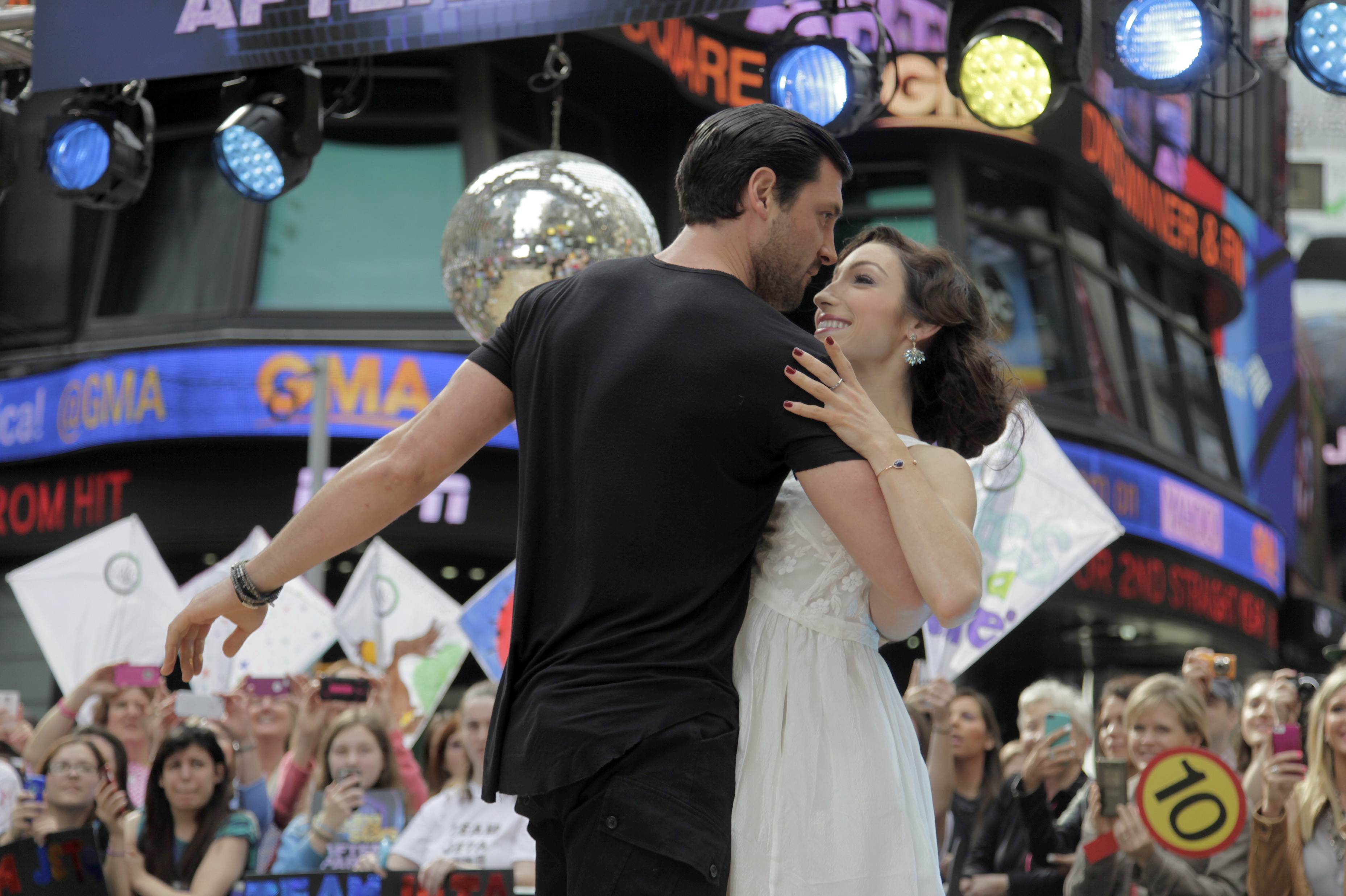 Meryl Davis Boyfriend 2014 Rumors Dancing With The Stars: Meryl And Maks: Meryl Davis, Maksim Chmerkovskiy Won
