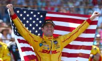 Ryan Hunter Reay Wins Second-Closest Indianapolis 500 in History (+video)