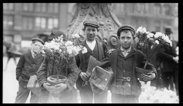 Boys buying Easter flowers in Union Square, New York City, 1908.