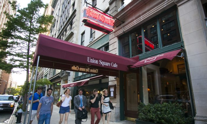 The Union Square Cafe in New York on Tuesday. Its owners announced the cafe would close at the end of 2015 when the lease expires, and will reopen in a new location. (Samira Bouaou/Epoch Times)
