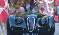 Jaguar XK120: Watch $3 Million-Car That Hooks Jay Leno, George Clooney and Clark Gable