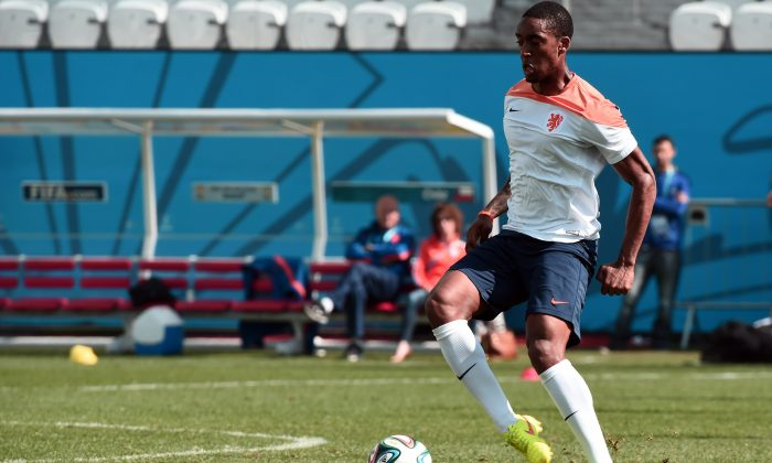 Netherlands' midfielder Leroy Fer takes part in a training session at the Corinthians Arena in Sao Paulo on June 22, 2014 on the eve of the 2014 FIFA World Cup Group B football match between Netherlands and Chile. (DAMIEN MEYER/AFP/Getty Images)