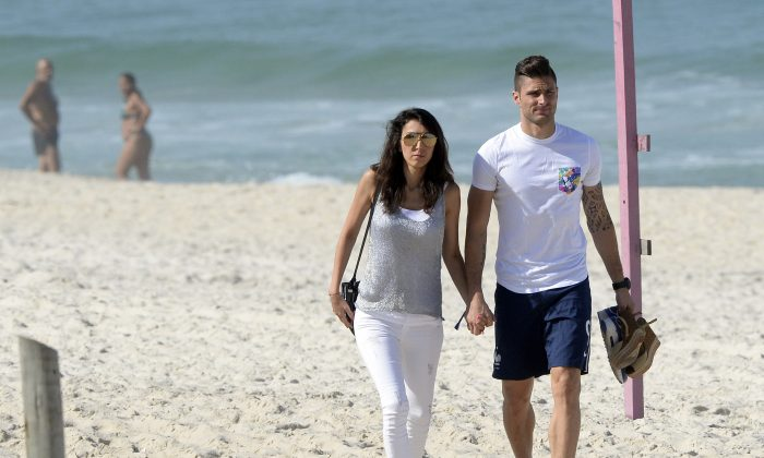 Olivier Girouds Wife Jennifer Info Pictures Of France Arsenal Strikers Partner