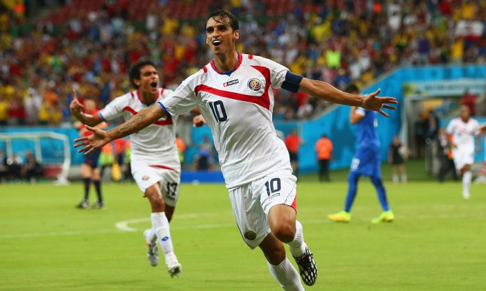 Bryan Ruiz of Costa Rica celebrates scoring his team's first goal during the 2014 FIFA World Cup Brazil Round of 16 match between Costa Rica and Greece at Arena Pernambuco on June 29, 2014 in Recife, Brazil. (Ian Walton/Getty Images)