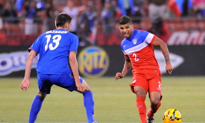 US men's national team player DeAndre Yedlin (R) controls the ball during a World Cup preparation match against Azerbaijan at Candlestick Park in San Francisco on May 27, 2014. (Josh Edelson/AFP/Getty Images)