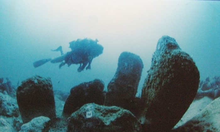 Atlit Yam is an ancient submerged Neolithic village off the coast of Atlit, Israel. (Yosef Galili, Ehud Galili, Itamar Greenberg via Wikimedia Commons)