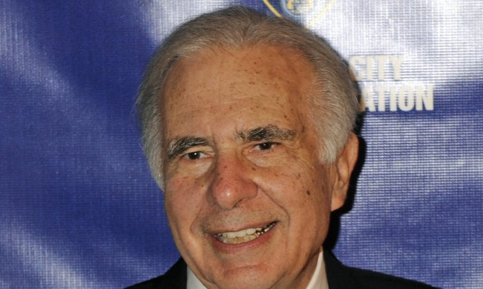 Investor Carl Icahn is seen at the Police Foundation Gala in New York City on March 16, 2010. (Henny Ray Abrams/AP)