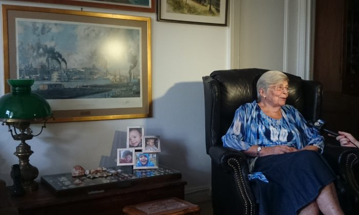 Jean Kiskaddon in her apartment in The Williams Residence on the Upper West Side, June 18, 2014. (Catherine Yang/Epoch Times)
