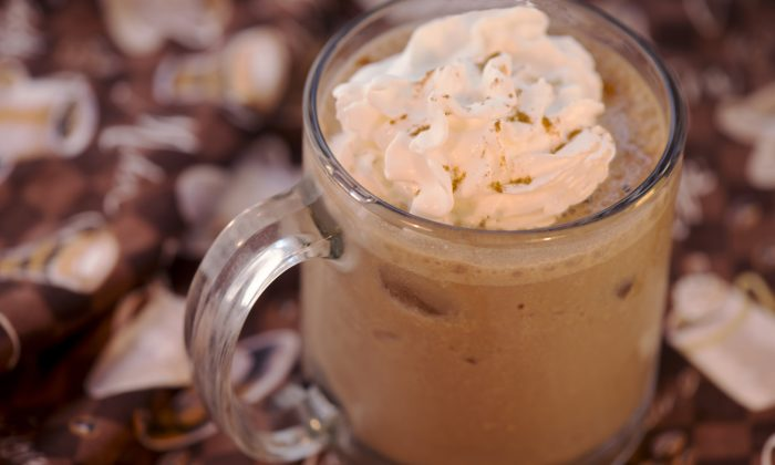 Start the morning with a low carb chocolate-caramel coffee protein drink in either an iced or a smoothie version. Here it is iced and topped with whipped cream and cinnamon. (Cat Rooney/Epoch Times)