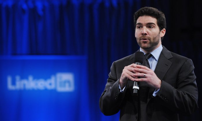 LinkedIn CEO Jeff Weiner speaks at the Computer History Museum, in Mountain View, Calif., on Sept. 26, 2011. Weiner announced in February that LinkedIn will abide by Chinese censors. (Mandel Ngan/AFP/Getty Images)