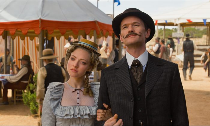 Amanda Seyfried and Neil Patrick Harris as Louise and Foy. (Universal Pictures)