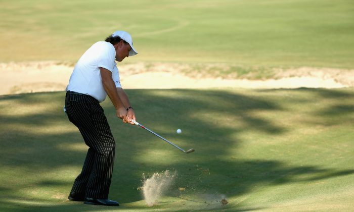 The popular Phil Mickelson has yet to win a U.S. Open and time is running out for the 43-year old. (Streeter Lecka/Getty Images)