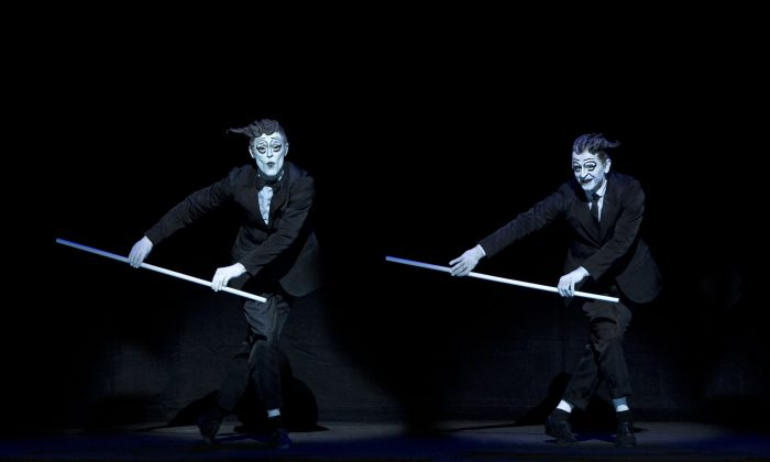 """(L–R) Willem Dafoe and Mikhail Baryshnikov appear in the Robert Wilson directed """"The Old Woman."""" (Lucie Jansch)"""