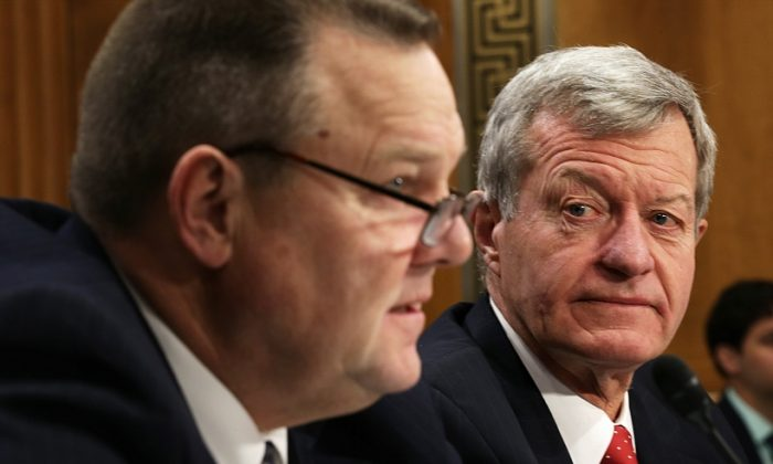 Sen. Max Baucus (D-Mont.) (R) and Sen. Jon Tester (D-Mont.) (L) on Capitol Hill in Washington, D.C., on Jan. 28. Tester and Baucus are co-sponsors of S.375. (Alex Wong/Getty Images)