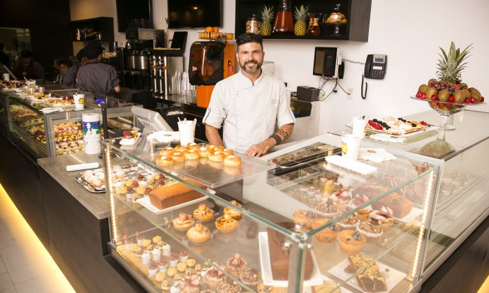 Chef Alejandro Quinones, behind the counter. Crave.it is a newly opened contemporary Italian bakery and cafe in Chelsea. (Edward Dai/Epoch Times)
