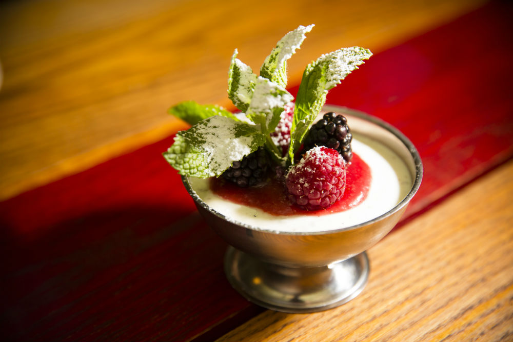 Panna cotta with berries. (Edward Dai/Epoch Times)