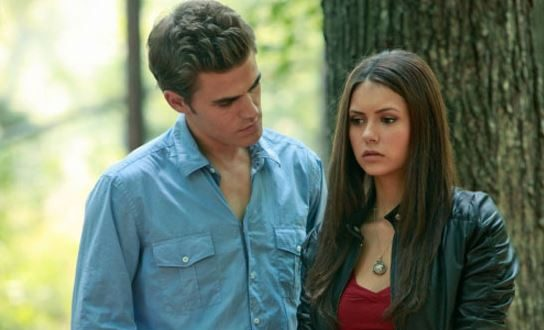 Is elena dating damon or stefan