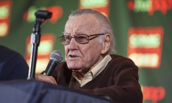 Stan Lee Announces He's Been Battling Pneumonia