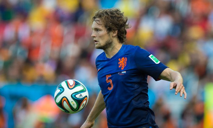 Daley Blind of Netherlands controls the ball during the 2014 FIFA World Cup Brazil Group B match between Australia and Netherlands at Estadio Beira-Rio on June 18, 2014 in Porto Alegre, Brazil. (Vinicius Costa/Getty Images)