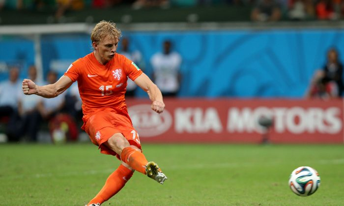 Dirk Kuyt of the Netherlands shoots and scores a goal in a penalty shootout during the 2014 FIFA World Cup Brazil Quarter Final match between the Netherlands and Costa Rica at Arena Fonte Nova on July 5, 2014 in Salvador, Brazil. (Dean Mouhtaropoulos/Getty Images)