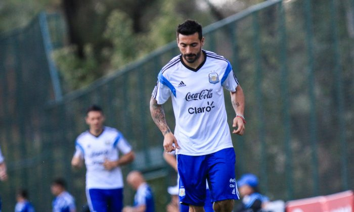 Ezequiel Lavezzi of Argentina during the Argentina training session at Cidade do Galo on July 6, 2014 in Vespasiano, Brazil. (Netun Lima/Getty Images)