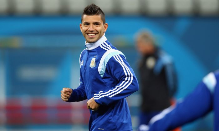 Sergio Aguero of Argentina warms up during a training session at Arena de Sao Paulo on July 8, 2014 in Sao Paulo, Brazil. (Photo by Ronald Martinez/Getty Images)
