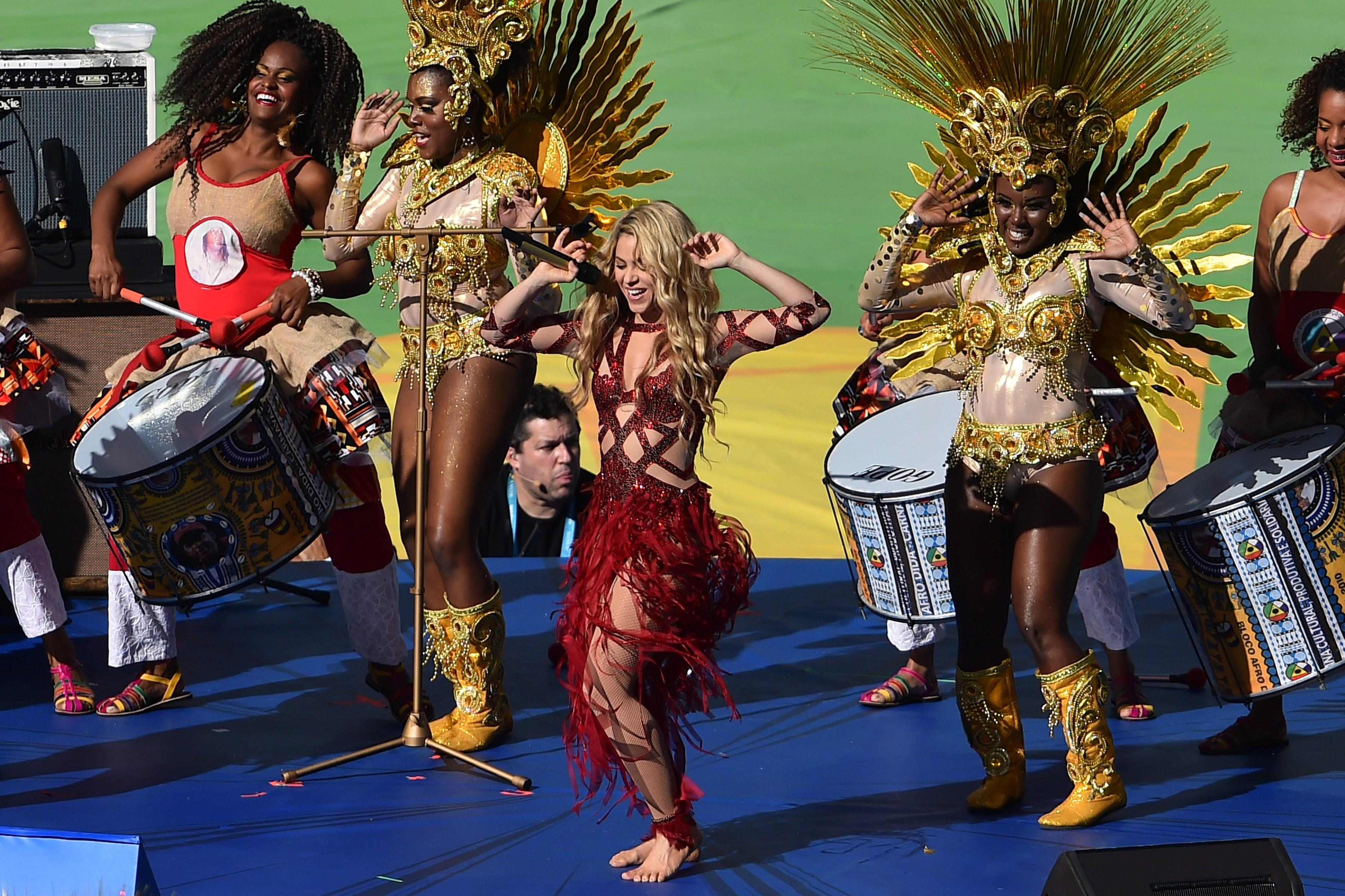 Shakira World Cup 2014 Song: 'La La La (Brazil 2014)' Lyrics (+