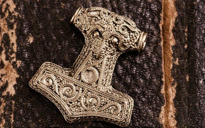 An amulet depicting Mjölnir, Thor's hammer. (Shutterstock*)