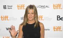Jennifer Aniston Provides a Glimpse Into Her Relationship With Justin Theroux