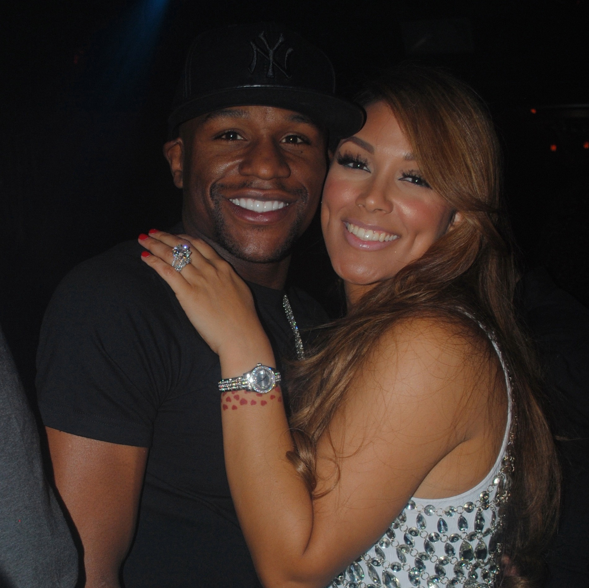 Who is floyd mayweather dating in Perth