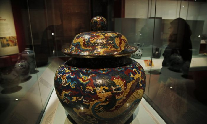 A Ming dynasty jar at an exhibition at the British Museum in central London, Sept. 15, 2014. (AP Photo/Lefteris Pitarakis)