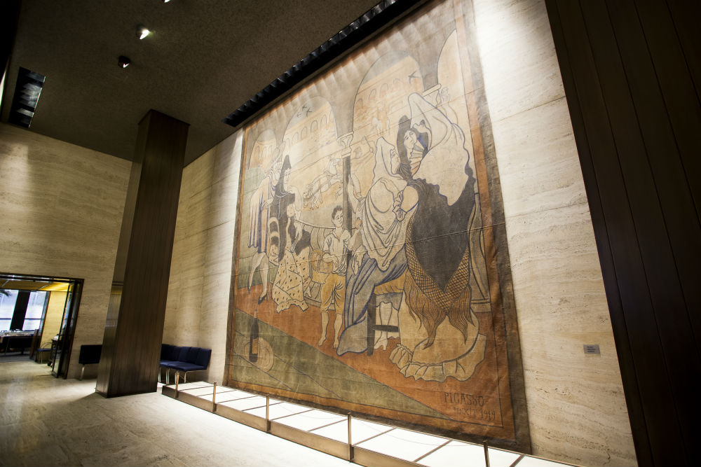 Le Tricorne, a Piccaso painting at the Four Seasons restaurant in Midtown Manhattan, New York, August 21, 2014. (Samira Bouaou/Epoch Times)