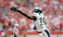 Video: Eagles' Jeremy Maclin Makes Insane One-Handed Catch