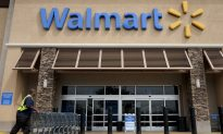 Wal-Mart Cuts Health Benefits for Some Part-Timers
