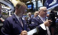 Dow Jones Average Plunges as Energy Drags Down Market