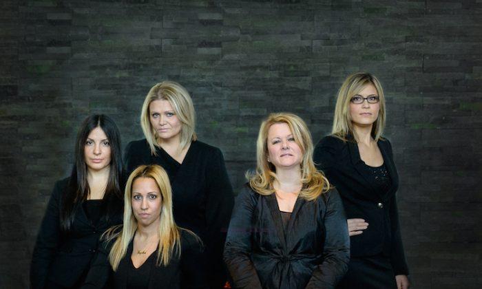 In2ition: (L-R) Liana Pronio, Director of Sales, Lysha DeFreitas, Director of Operations, Jackie Pezer-Lilic, Director of Design Services, Debbie Cosic, CEO & Founder, Vesna Sola, Director of Sales.