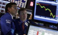 Dizzying Day for Wall Street as Stocks Plunge