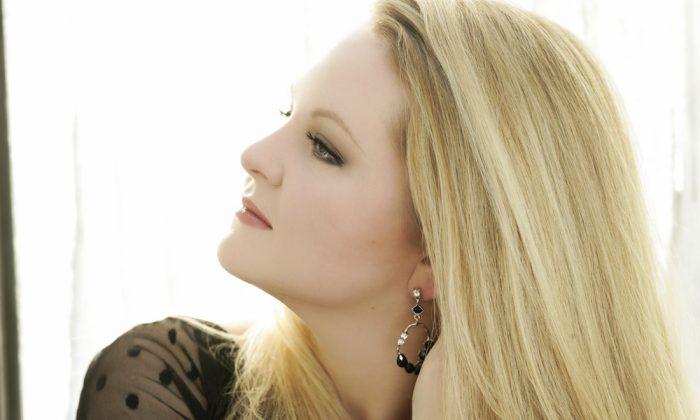 American mezzo-soprano Elizabeth DeShong. (Kristin Hoebermann)