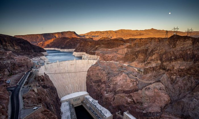 The Hoover Dam on the border between Arizona and Nevada shown in an April 13, 2014. (Joe Klamar/AFP/Getty Images)