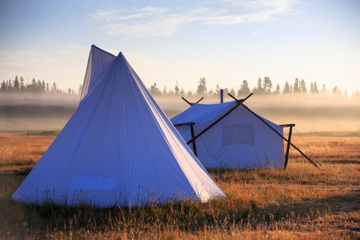 Luxurious safari tents, Yellowstone (Eluxe Magazine)