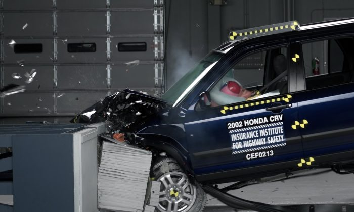A crash test of a 2002 Honda CR-V, one of the models recalled for faulty air bags in October, 2014. New York City council members introduced a bill on Tuesday, Oct. 28, 2014 that would prohibit the sale of used cars with recalled parts, unless dealers make the necessary repairs. (AP Photo/Insurance Institute for Highway Safety)
