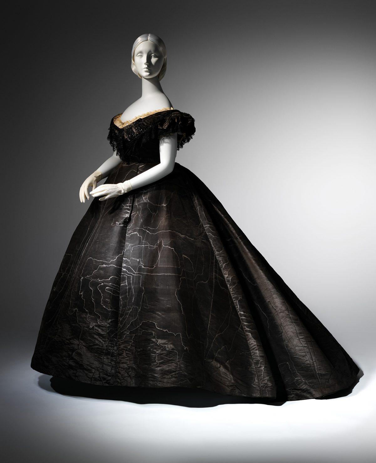 2_Evening_Dress_1861-1200x1479.jpg